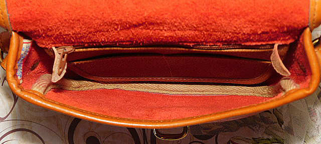 Red Vintage Marble Dooney Tack Bag