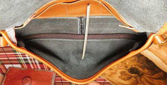 Vintage Dooney and Bourke All-Weather Leather AWL    Vintage Satchel