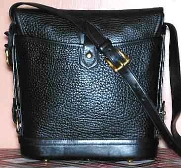 DB-VO7Black Vintage Dooney Large Spectator Bag