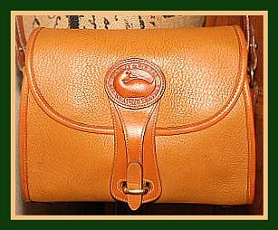 Vintage Dooney and Bourke  All-Weather Leather  R25 Medium Essex Shoulder Bag