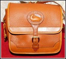 Spicy Caramel Peanut Vintage Dooney Surrey Bag-Vintage Dooney Surrey Bag, Vintage Dooney Surrey bag in Peanut color