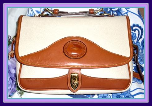 Stunning Bone Carrier Vintage Dooney Bag AWL