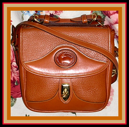 Sumptuous All British Tan Square Carrier Vintage Dooney Bourke Bag