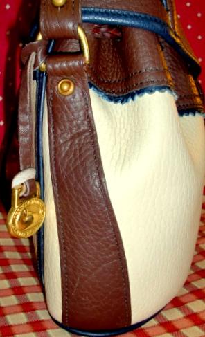 Vintage Dooney Teton Drawstring Shoulderbag