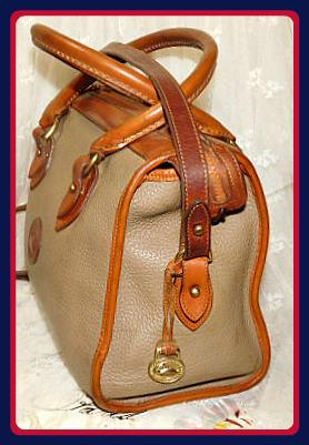 Vintage Dooney Bourke All-Weather Leather Satchel Shoulder Bag Crossbody Bag