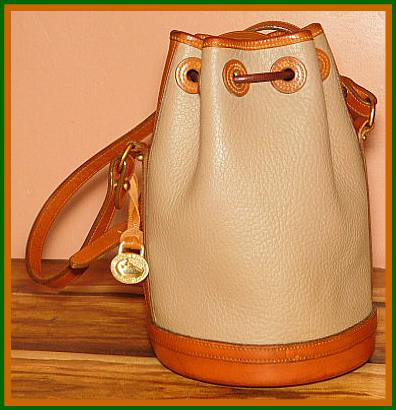 Hand-Fitted Drawstring Bag Vintage Dooney AWL