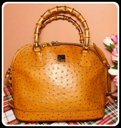 Sophisticated Yummy Honey Vintage Dooney Zip Zip Ostrich Satchel Shoulder Bag