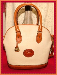 Antique Oyster White Norfolk Vintage Dooney Shoulder Bag Satchel