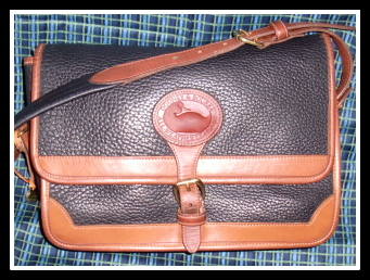 Versatile Vintage Dooney Licorice Black & British Tan Surrey Bag
