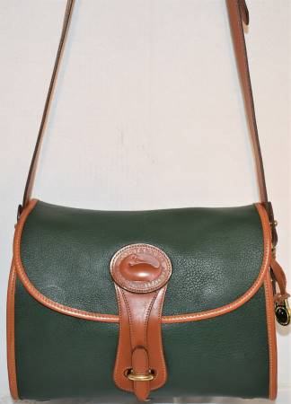 Dooney & Bourke Authentic  All-Weather Leather Black Essex  R65 Lg Dooney & Bourke Essex Shoulder Bag