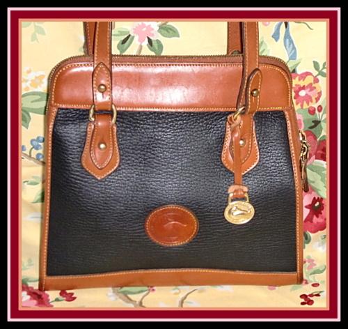 Snappy Black Licorice Vintage Dooney Zipper Top Satchel Shoulder Bag