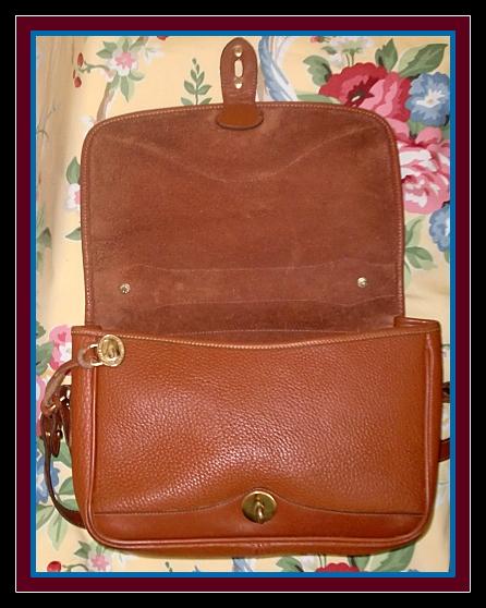 Large Richly Colored Peanut Dooney Carrier Bag