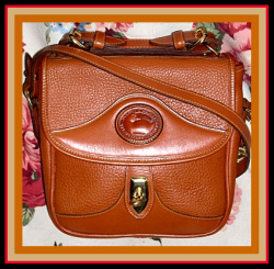 Sumptuous All British Tan Square Carrier Vintage Dooney Bourke Bag