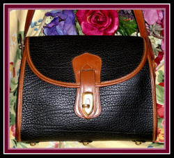SOLD!!! Rare Black & Tan Arrowhead Essex Vintage Dooney Bourke Shoulder Bag