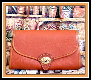 Outstanding Authentic Cavalry Pochette Vintage Dooney Bourke AWL