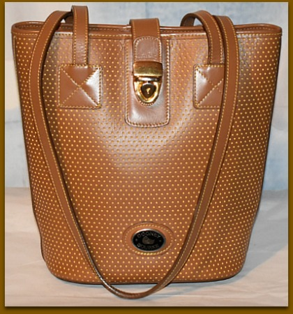 Toasted Crispy Almond Cabrio Leather Dooney Bucket Bag