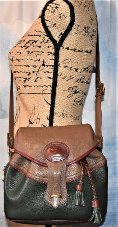 Vintage Dooney & Bourke  All-Weather Leather  #H302 Teton Drawstring Saddle Bag Purse  Excellent Condition!  Teton Collection