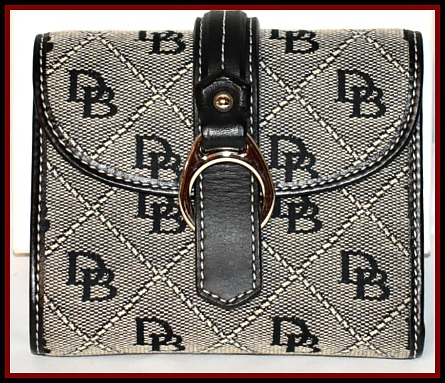 Brand New! Old Lace White & Black Quilted Credit Card Wallet