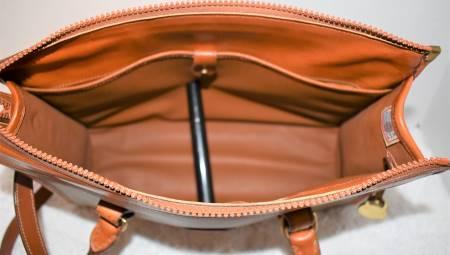 Dooney and Bourke  All-Weather Leather  R21 Shoulder Satchel Zipper-Top Case