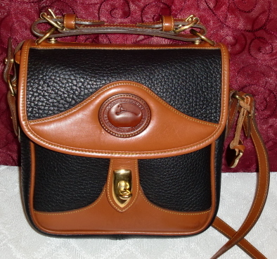 SOLD!!! Dooney & Bourke Carrier Crossbody/Shoulder Bag Vintage Mint
